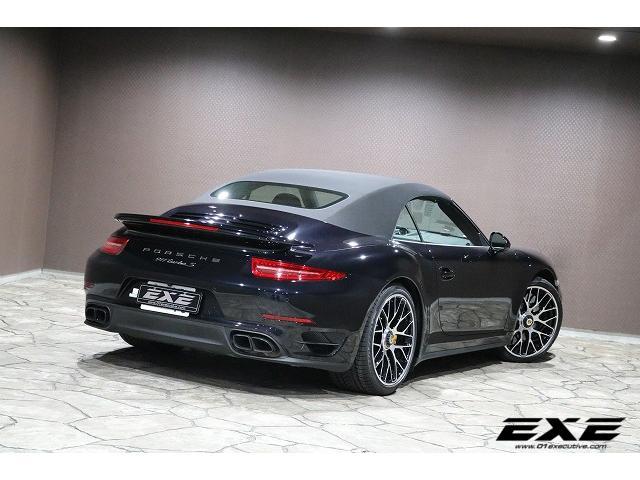 ポルシェ ポルシェ 911ターボS カブリオレ