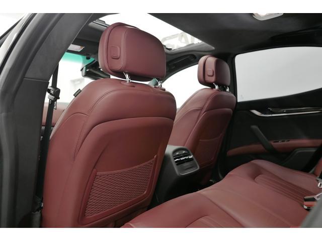 登録から10年10万キロ未満のお車にはサンシンオート独自の自社保証を適応。初めての輸入車でも安心して御乗り頂ける様最善を尽くします。