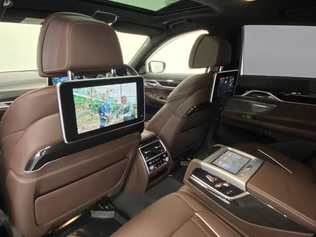 740d xDrive Mスポーツ 4WD ディーゼルターボ 茶革 サンルーフ 純正HDDナビ フルセグTV ETC 全周囲モニター 後席モニター リアタブレット型リモコン シートヒーター&クーラー 純正ドライブレコーダー パドルシフト(12枚目)