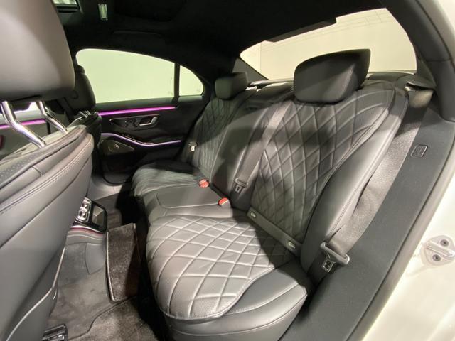 S500 4マチック AMGライン ワンオーナー AMGライン ベーシックパッケージ レザーエクスクルーシブパッケージ パノラマルーフ ブルメスター3Dサウンド ラグジュアリーヘッドレスト(前席) AMG20アルミ エアバランスPKG(17枚目)
