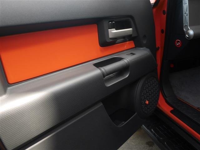 トヨタ FJクルーザー カラーパッケージ 4WD