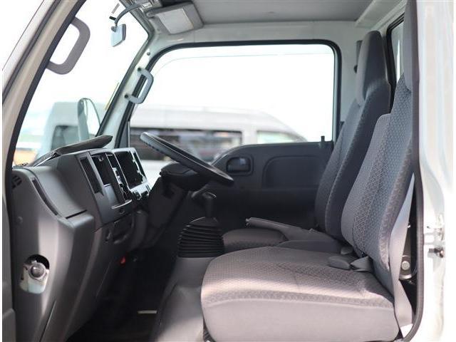 フルフラットロー 2トン積み 10尺荷台 クリーンディーゼル車 助手席側電動格納ドアミラー ETC(23枚目)