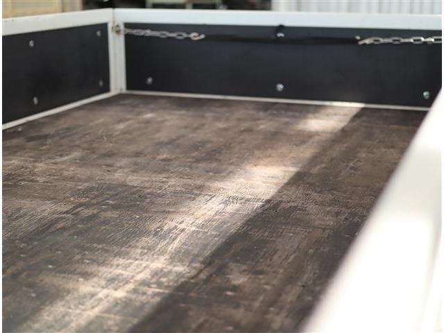 フルフラットロー 2トン積み 10尺荷台 クリーンディーゼル車 助手席側電動格納ドアミラー ETC(24枚目)