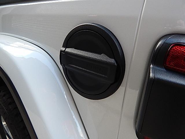サハラ 4WD 左ハンドル LEDグループ 黒革 JLモデル(10枚目)