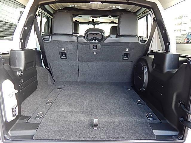 サハラ 4WD 左ハンドル LEDグループ 黒革 JLモデル(15枚目)