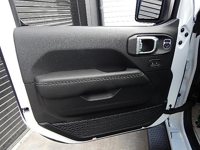 サハラ 4WD 左ハンドル LEDグループ 黒革 JLモデル(17枚目)