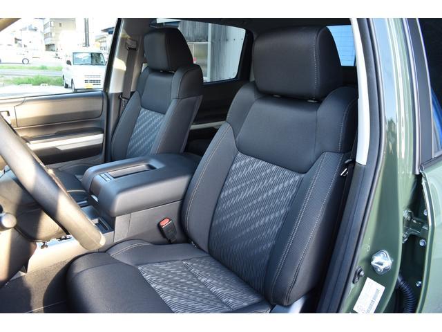 クルーマックス SR5 トレイルエディション 4WD アーミーグリーン プレデターサイドステップ アップルカープレイ ブラックバッジ(14枚目)