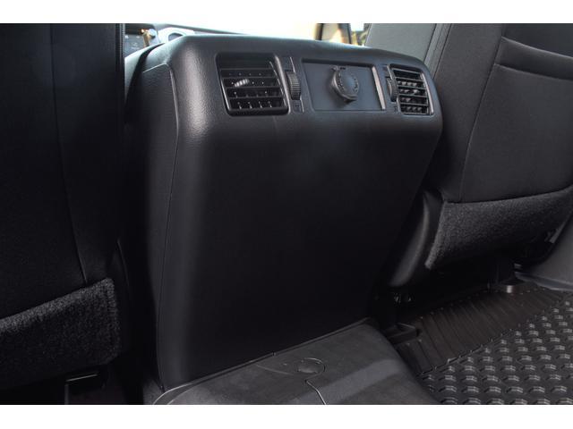 クルーマックス SR5 トレイルエディション 4WD アーミーグリーン プレデターサイドステップ アップルカープレイ ブラックバッジ(23枚目)