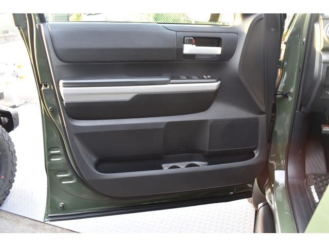 クルーマックス SR5 トレイルエディション 4WD アーミーグリーン プレデターサイドステップ アップルカープレイ ブラックバッジ(28枚目)