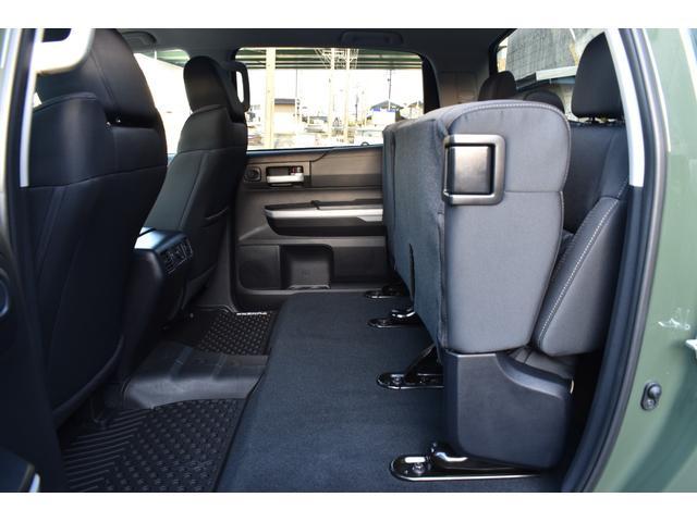クルーマックス SR5 トレイルエディション 4WD アーミーグリーン プレデターサイドステップ アップルカープレイ ブラックバッジ(31枚目)