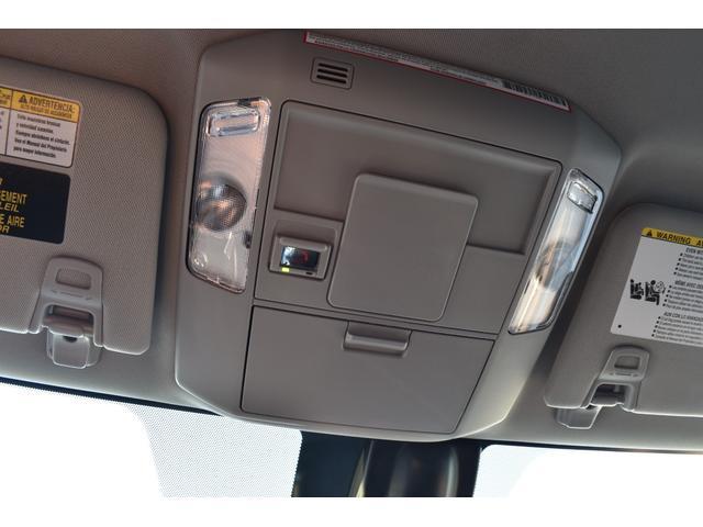 クルーマックス SR5 トレイルエディション 4WD アーミーグリーン プレデターサイドステップ アップルカープレイ ブラックバッジ(32枚目)