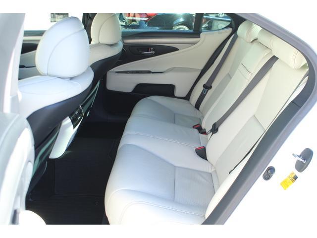 レクサス LS LS600h Fスポーツ HDDマルチ メローホワイト SR