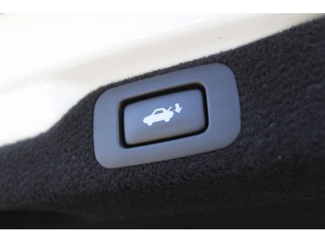 ベースグレード SDマルチ/黒革シート/サンルーフ/PCS/レーンアシスト/オレンジキャリパー/三眼LEDヘッドライト/HUD/ASC/クリアランスソナー(21枚目)
