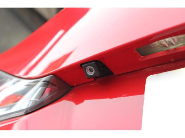 オートエクスチェンジでは、お客様にじっくりと車選びをしていただけるように、在庫車の全ての鍵を開放しています。お客様が気になったお車は、その場で自由にご覧いただくことができます!