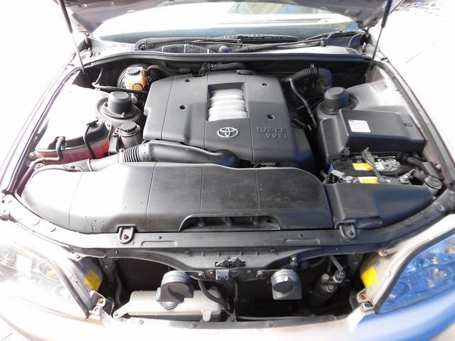キレイなエンジンルームになります!さすがのワンオーナーの実走行車の6.9万キロ台ですね!エンジンの異音等も無く、オイル漏れなども見つかりません!どうぞご安心してご購入下さいませ!お気軽にお電話下さい!