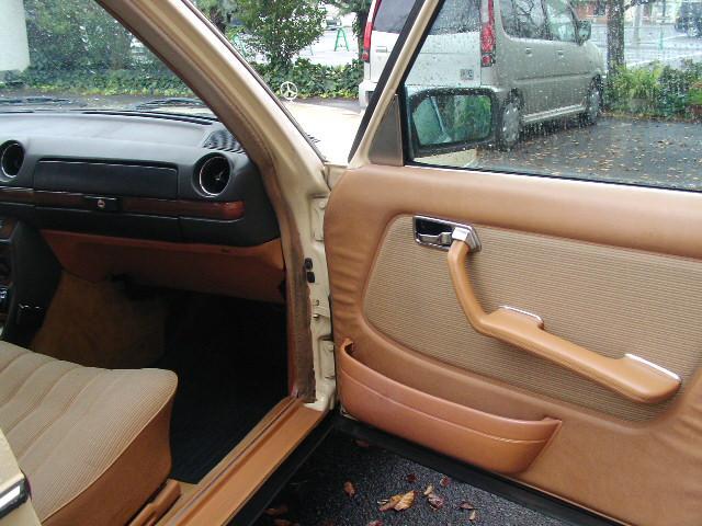 メルセデス・ベンツ M・ベンツ 280TE ガソリン車 ベージュ内装