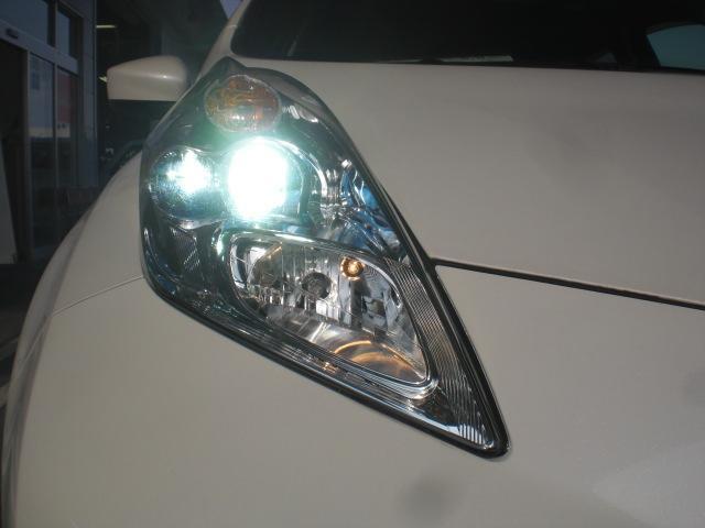 LEDヘッドライトは省電力ですが、純白光で驚くほど明るく夜道を照らしてくれます