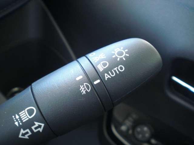 ハイウェイスター Gターボ 9インチワイドメモリーナビ アラウンドビューモニター ハイビームアシスト LEDライト 衝突被害軽減ブレーキ 踏間違い衝突防止 車線逸脱警報・横滑り防止 15インチアルミ(10枚目)