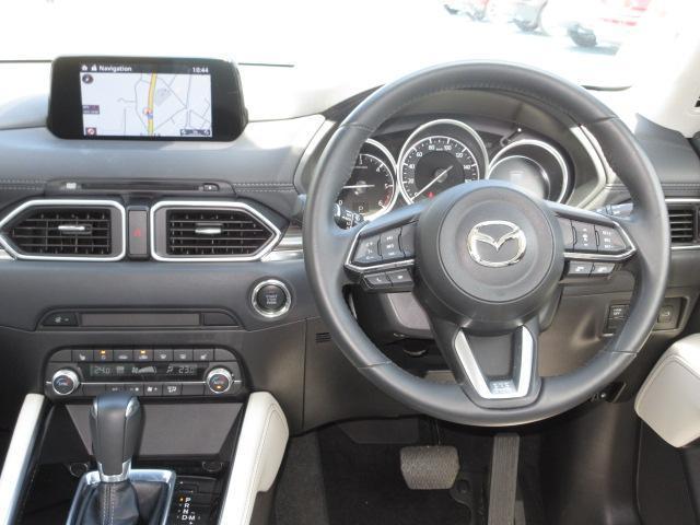 XD Lパッケージ 4WD 衝突被害軽減システム アダプティブクルーズコントロール 全周囲カメラ オートマチックハイビーム 革シート 電動シート シートヒーター オートライト LEDヘッドランプ ETC 電動リアゲート(4枚目)