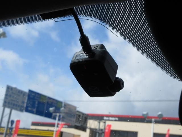 13S 衝突被害軽減システム 全周囲カメラ オートマチックハイビーム 4WD シートヒーター バックカメラ オートライト LEDヘッドランプ Bluetooth ワンオーナー(7枚目)