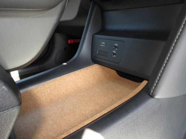 ベースグレード 衝突被害軽減システム アダプティブクルーズコントロール 全周囲カメラ オートマチックハイビーム 4WD 電動シート シートヒーター ナビ バックカメラ オートライト LEDヘッドランプ ワンオーナー(10枚目)