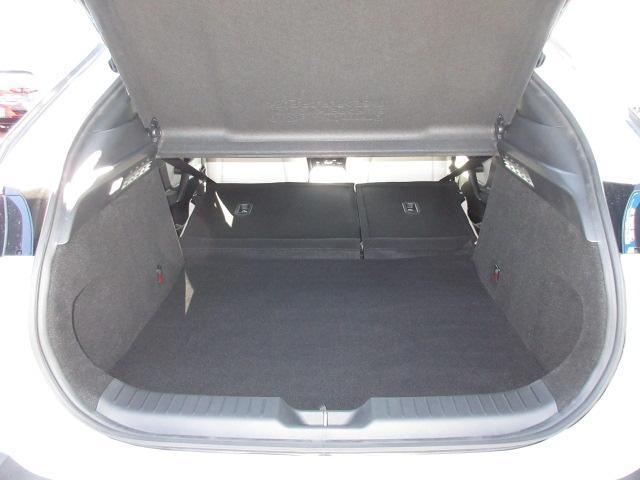 ベースグレード 衝突被害軽減システム アダプティブクルーズコントロール 全周囲カメラ オートマチックハイビーム 4WD 電動シート シートヒーター ナビ バックカメラ オートライト LEDヘッドランプ ワンオーナー(18枚目)