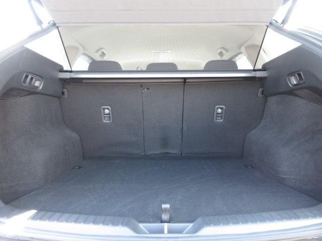 XD プロアクティブ 衝突被害軽減システム アダプティブクルーズコントロール オートマチックハイビーム 電動シート シートヒーター バックカメラ オートライト LEDヘッドランプ ETC Bluetooth 電動リアゲート(18枚目)