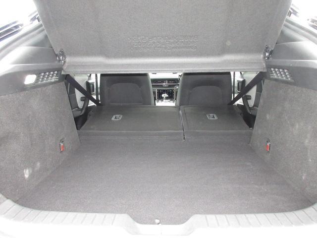 ベースグレード 衝突被害軽減システム アダプティブクルーズコントロール 全周囲カメラ オートマチックハイビーム 電動シート シートヒーター バックカメラ オートライト LEDヘッドランプ ETC Bluetooth(18枚目)