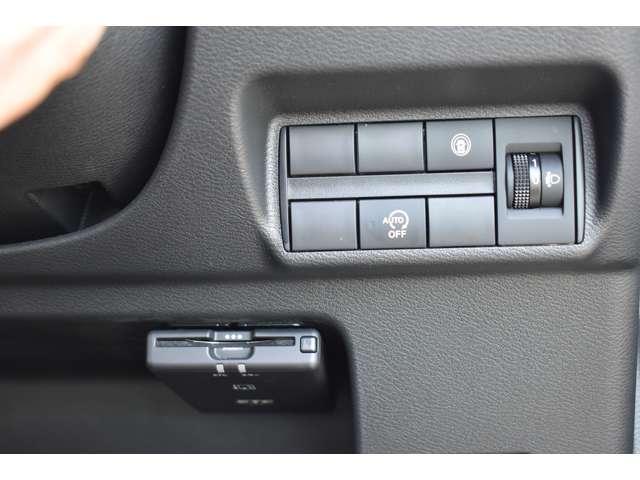 M 9インチMナビ・フルセグTV・ETC 衝突軽減 コーナーセンサー キーレスキー パワステ ベンチシート シートヒーター エアコン ABS WエアB 横滑り防止 盗難防止システム ナビ&TV Aストップ(11枚目)