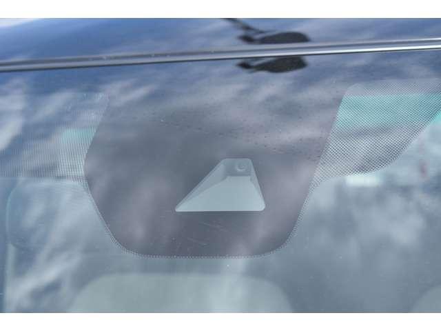 M 9インチMナナビ・フルセグTV・ETC 衝突軽減 コーナーセンサー キーレスキー パワステ ベンチシート 寒冷地仕様 シートヒーター エアコン ABS WエアB 横滑り防止 盗難防止システム フルセグ(2枚目)