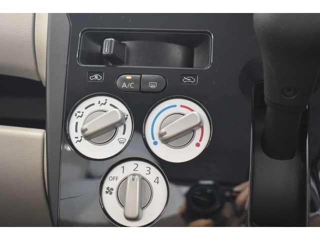 E CDチューナー 社外アルミ 中古スタッドレス アルミホイール キ-レス エアバック 寒冷地仕様 CD エアコン シートヒータ Wエアバック パワステ ベンチシート ABS パワーウィンドウ(6枚目)