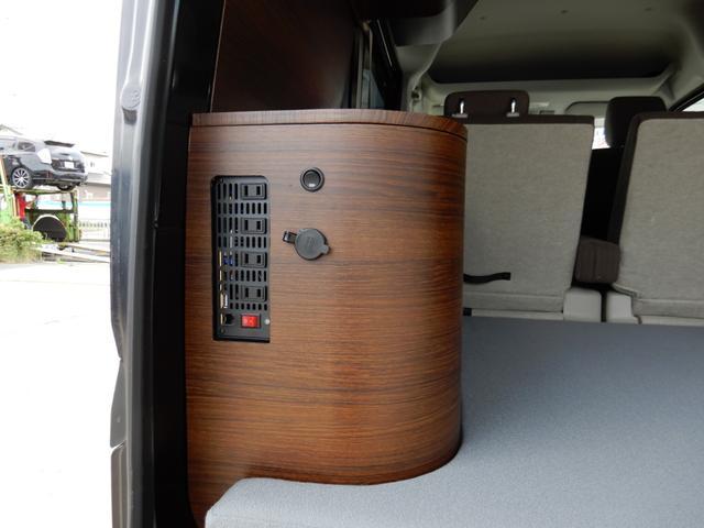 ジョインターボ ネクストキャンパープレミアムキット装着車・FIAMMAサイドオーニング・パナソニック120Wソーラーパネル・サブバッテリー・2000W最大出力インバーター・Bluetooth対応ナビ・リアカメラ・4名(33枚目)