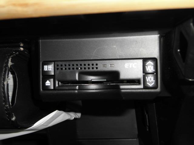 CT200h バージョンC バックカメラ LEDヘッドランプ(10枚目)