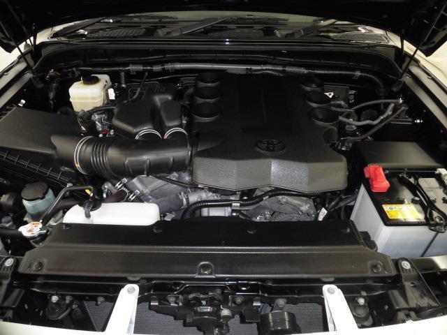 4.0Lガソリンエンジンです。レギュラーガソリン仕様です。タイミングチェーンです。