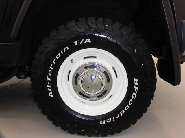 タイヤはBFグッドリッチのオールテイレンホワイトレター265/65R16です。16インチアルミホイールです!鉄ホイールと違って軽いので燃費にも影響してきます。ガソリンの高騰に少しは貢献します!