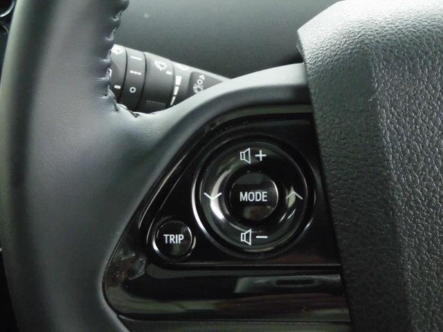 S サンルーフ フルセグ HDDナビ DVD再生 ミュージックプレイヤー接続可 衝突被害軽減システム ETC LEDヘッドランプ アイドリングストップ(18枚目)