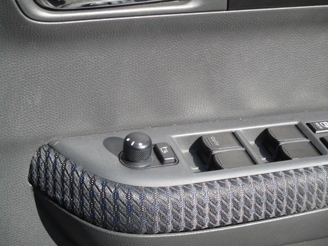 スズキ スイフト 1.3XG 4WD 5速マニュアル HDDナビ
