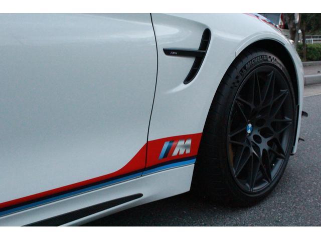DTMチャンピオンエディション 国内25台限定・ディーラー車・左H・MDCT・ドライブロジック・カーボンブレーキ・CFPRルーフ・Mバケットシート・Mストライプ・Mステアリング・ロールゲージ・純正チタンマフラー・20インチAW(10枚目)