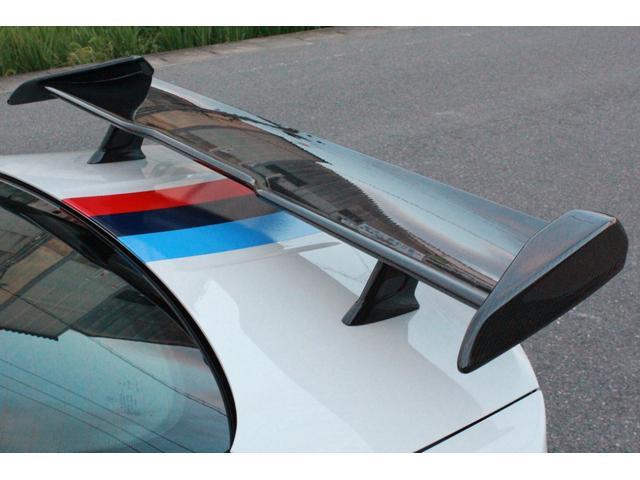 DTMチャンピオンエディション 国内25台限定・ディーラー車・左H・MDCT・ドライブロジック・カーボンブレーキ・CFPRルーフ・Mバケットシート・Mストライプ・Mステアリング・ロールゲージ・純正チタンマフラー・20インチAW(14枚目)