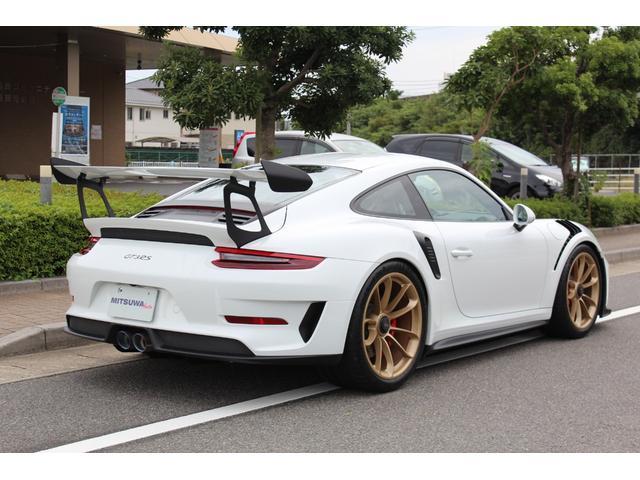 911GT3RS ディーラー車・スポーツクロノPKG・Fリフター・PDLSヘッド・カーボンインテリアPKG・イエローシートベルト&ステアリングトップマーキング・GT3RSロゴ入りスカッフイルミ・スポーツエキゾースト(3枚目)