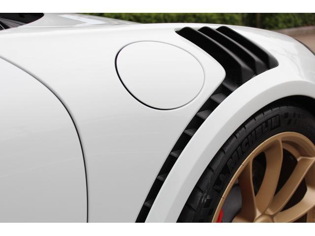 911GT3RS ディーラー車・スポーツクロノPKG・Fリフター・PDLSヘッド・カーボンインテリアPKG・イエローシートベルト&ステアリングトップマーキング・GT3RSロゴ入りスカッフイルミ・スポーツエキゾースト(9枚目)
