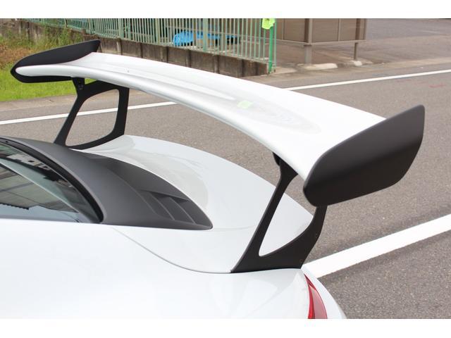 911GT3RS ディーラー車・スポーツクロノPKG・Fリフター・PDLSヘッド・カーボンインテリアPKG・イエローシートベルト&ステアリングトップマーキング・GT3RSロゴ入りスカッフイルミ・スポーツエキゾースト(12枚目)