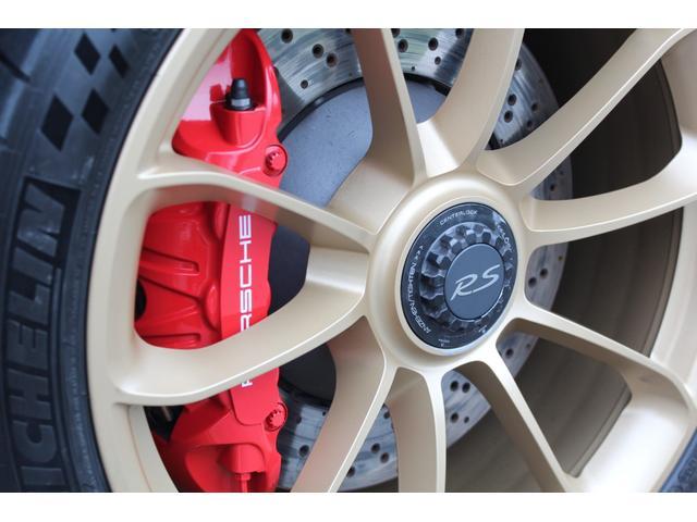 911GT3RS ディーラー車・スポーツクロノPKG・Fリフター・PDLSヘッド・カーボンインテリアPKG・イエローシートベルト&ステアリングトップマーキング・GT3RSロゴ入りスカッフイルミ・スポーツエキゾースト(15枚目)