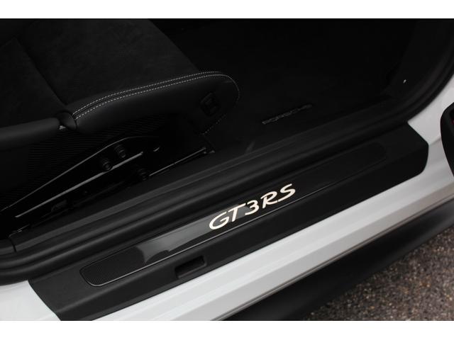 911GT3RS ディーラー車・スポーツクロノPKG・Fリフター・PDLSヘッド・カーボンインテリアPKG・イエローシートベルト&ステアリングトップマーキング・GT3RSロゴ入りスカッフイルミ・スポーツエキゾースト(24枚目)
