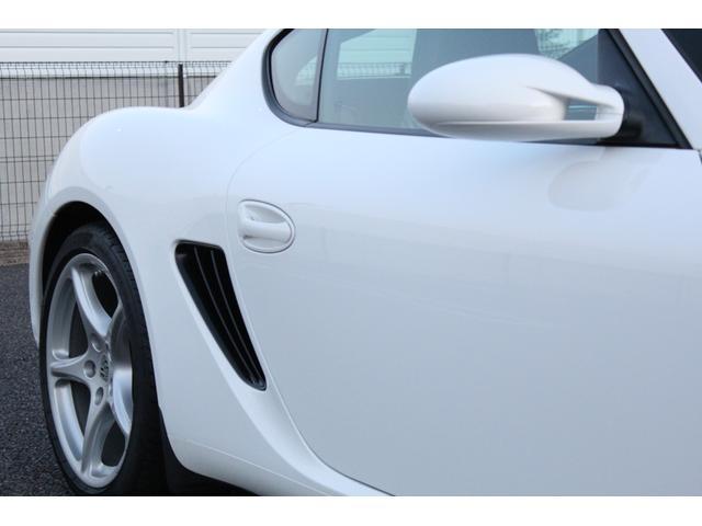 S D車・左H・6速MT・スポーツクロノPKG・ハーフレザー・シートヒーター・純正ナビDVDビデオ地デジ・レッドキャリパー・純正OPカレラクラシック19AW・アルミペダル・ETC・GPSレーダー(8枚目)