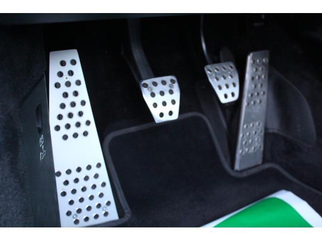 S D車・左H・6速MT・スポーツクロノPKG・ハーフレザー・シートヒーター・純正ナビDVDビデオ地デジ・レッドキャリパー・純正OPカレラクラシック19AW・アルミペダル・ETC・GPSレーダー(22枚目)