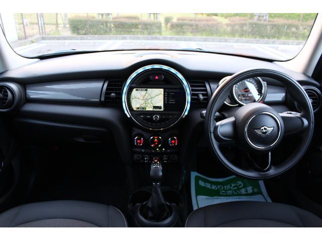 クーパー ディーラー車・1オーナー・MINIエキサイトメントPKG・パーキングアシスト・OP17AW・ユニオンジャックデカール&サイドミラー・キセノンヘッドライト・純正HDDナビETC・(15枚目)