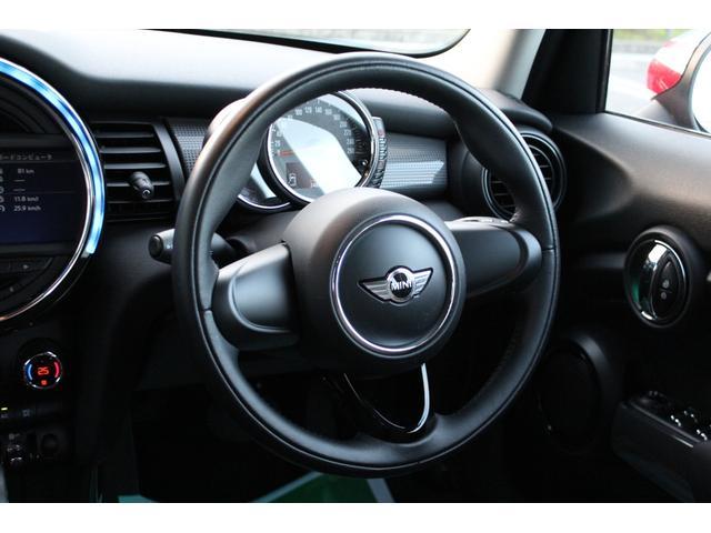 クーパー ディーラー車・1オーナー・MINIエキサイトメントPKG・パーキングアシスト・OP17AW・ユニオンジャックデカール&サイドミラー・キセノンヘッドライト・純正HDDナビETC・(16枚目)