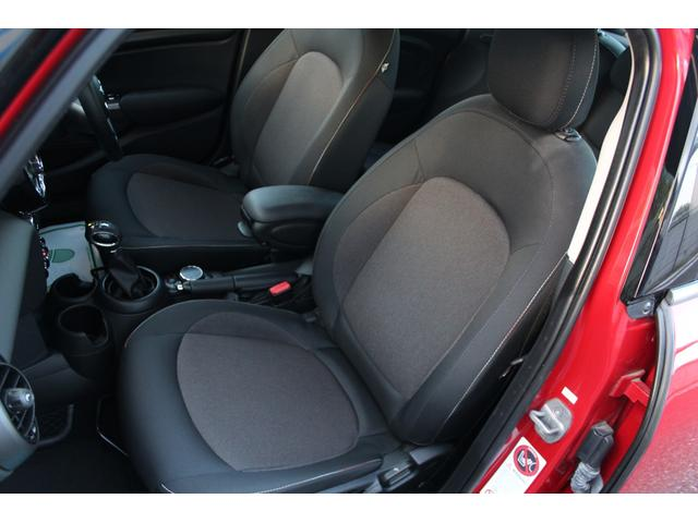クーパー ディーラー車・1オーナー・MINIエキサイトメントPKG・パーキングアシスト・OP17AW・ユニオンジャックデカール&サイドミラー・キセノンヘッドライト・純正HDDナビETC・(20枚目)
