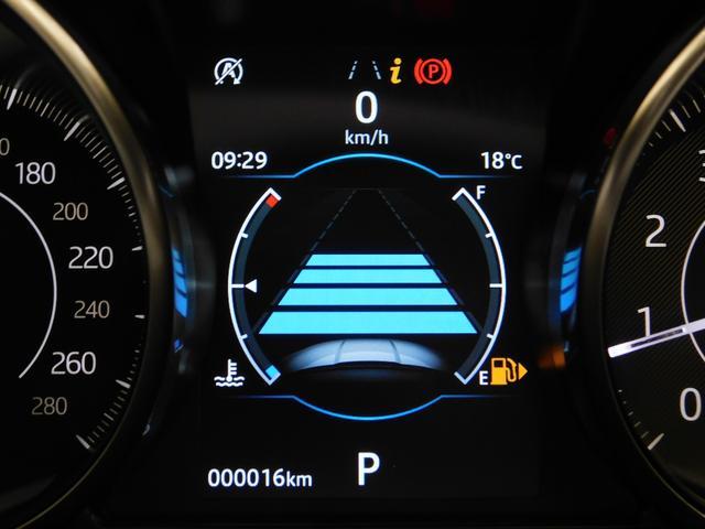安全機能としては衝突回避警告、レーンキープアシスト、自動緊急ブレーキを標準装備したうえに、オプションとして【ドライブパック】(ACC+ブラインドアシスト+高速緊急ブレーキ)を追加装備しています。